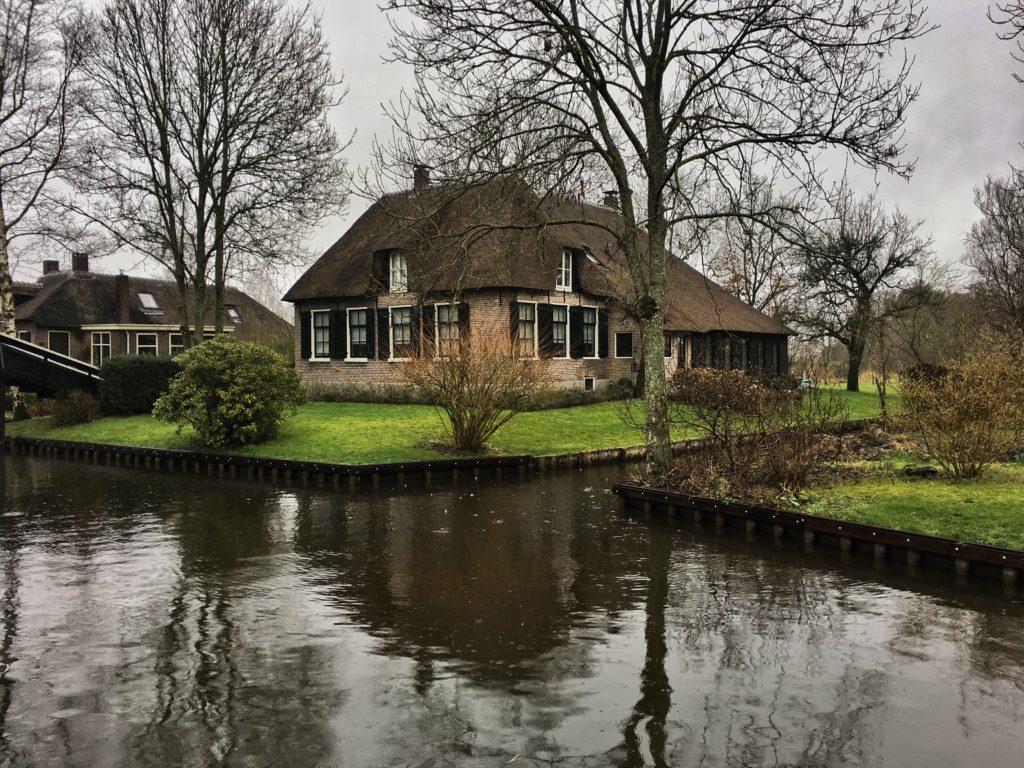 Sazdan çatılı Hobbit evleri, Giethoorn