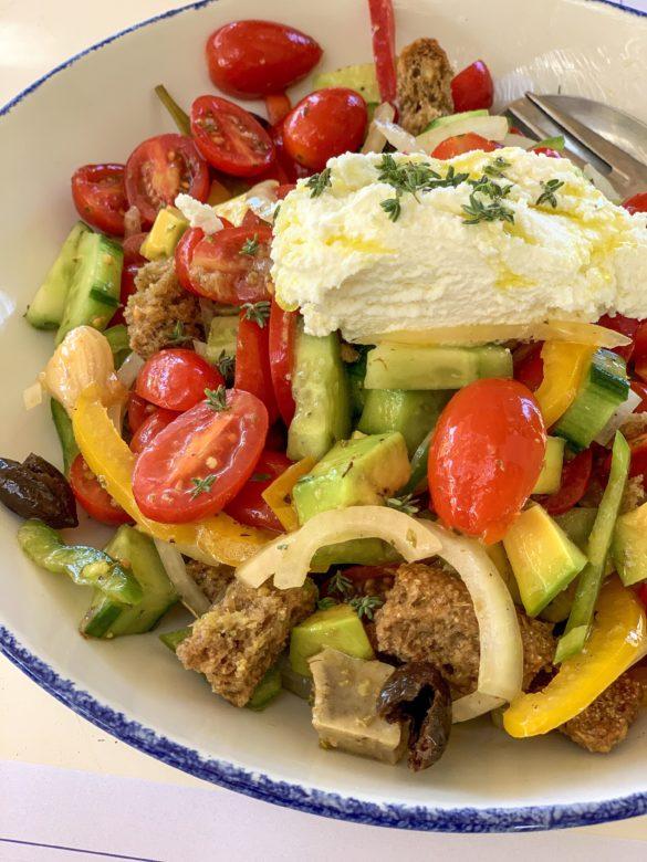 Dakos Salatası - Girit