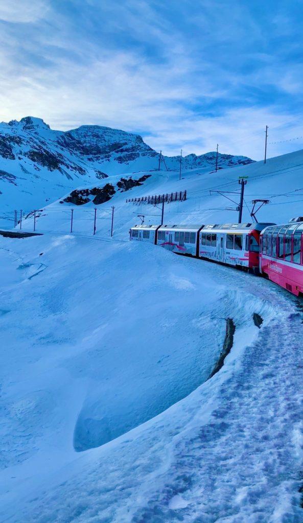 Bernina Express Alp'lerden geçerken