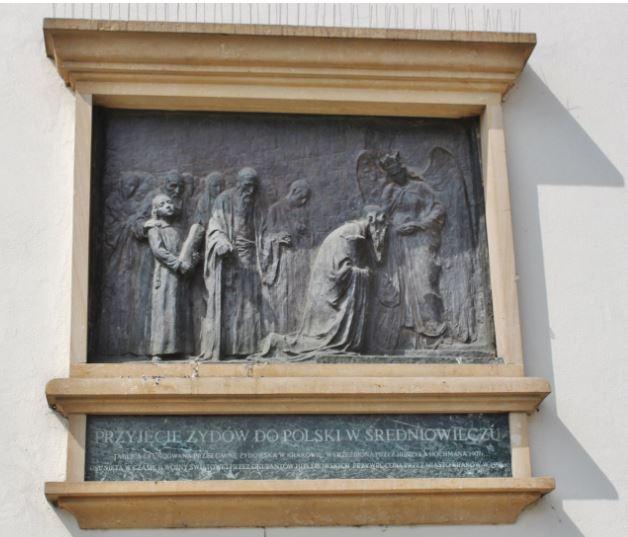 Orta Çağ'da Krakow'a ilk gelen Yahudileri gösteren figür, Kazimierz Belediye Binası, Krakow